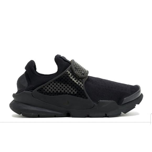 promo code eeed0 4f7d4 Nike Sock Dart Shoes